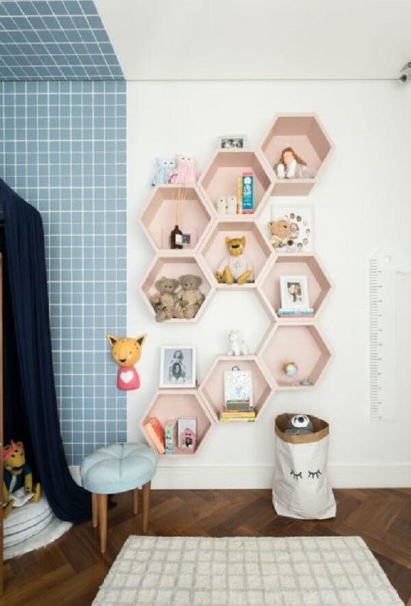 nicho colmeia rosa quarto