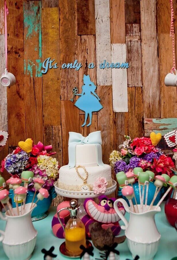 rustic panel for Alice party in Wonderland simple Photo Pinterest