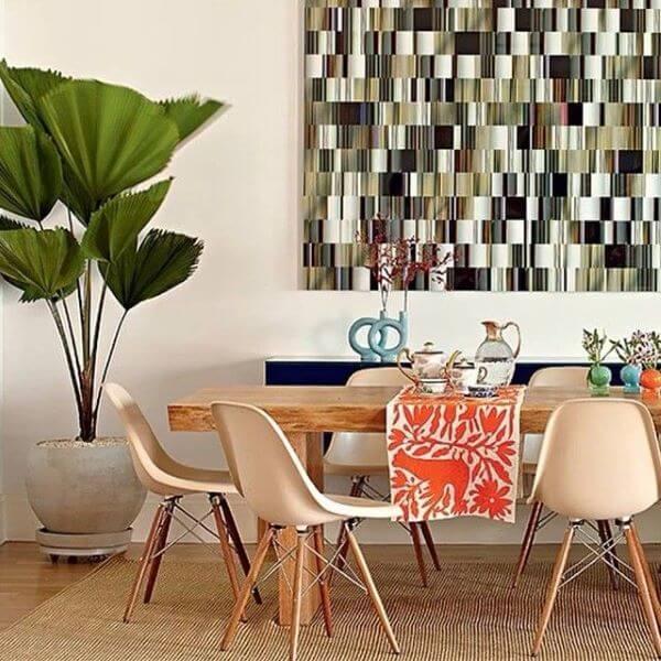 Palmeira leque decorando a sala de jantar