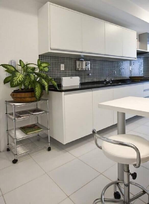 pastilhas pretas para decoração de cozinha modulada branca Foto Pinterest