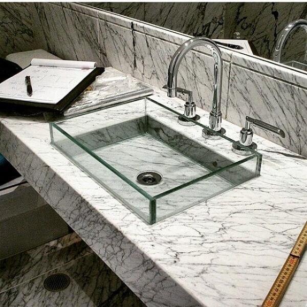 pia de banheiro de vidro quadrada
