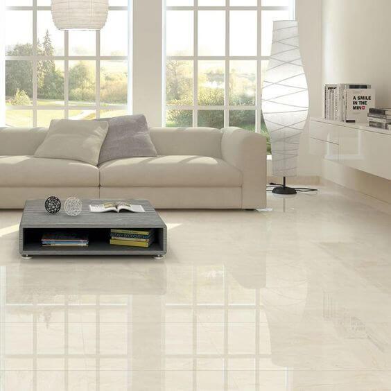 Porcelanato bege na sala minimalista
