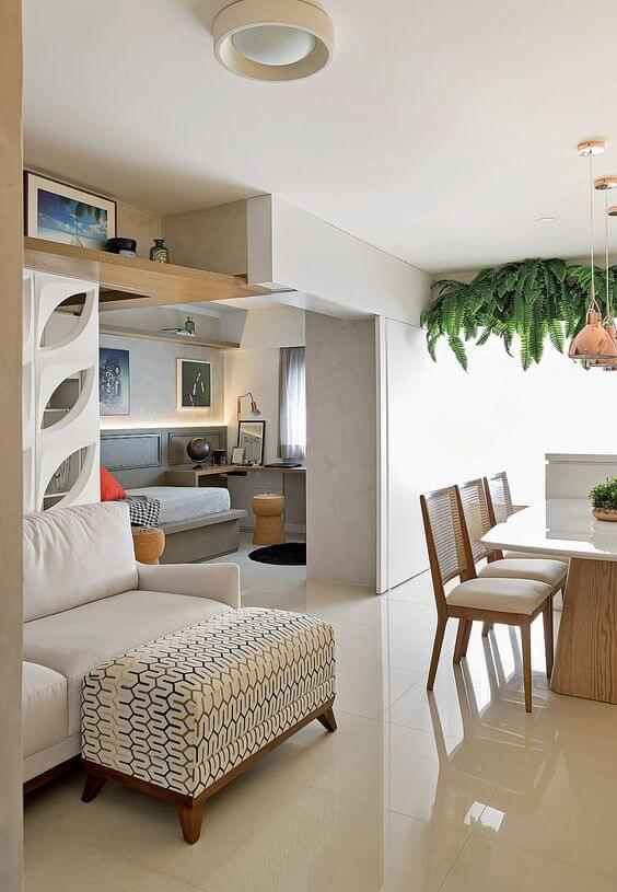 Porcelanato bege polido no apartamento pequeno