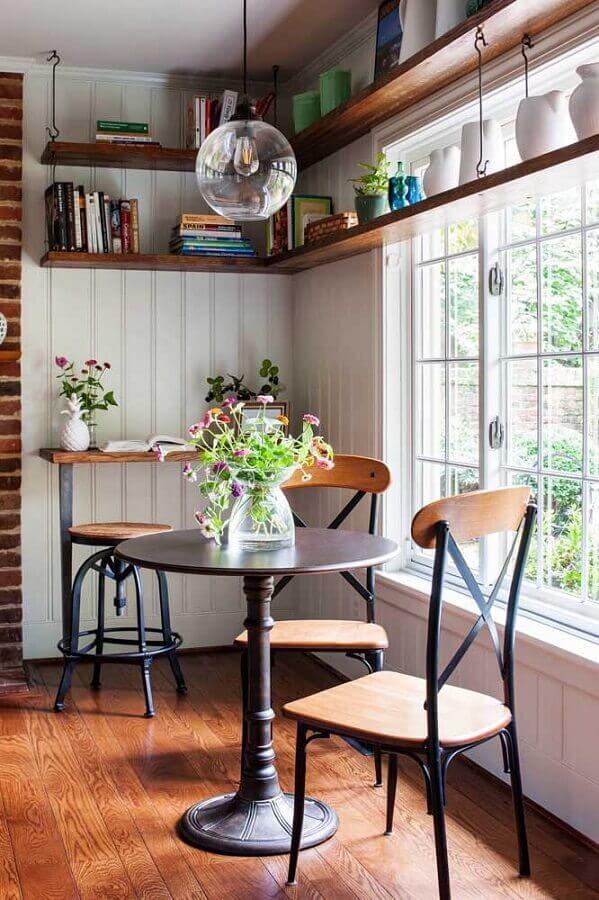 prateleira de canto de madeira para sala de jantar pequena Foto ArchZine