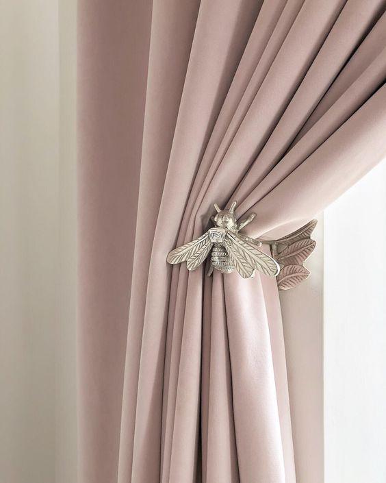 Prendedor de cortina de metal em formato de abelha