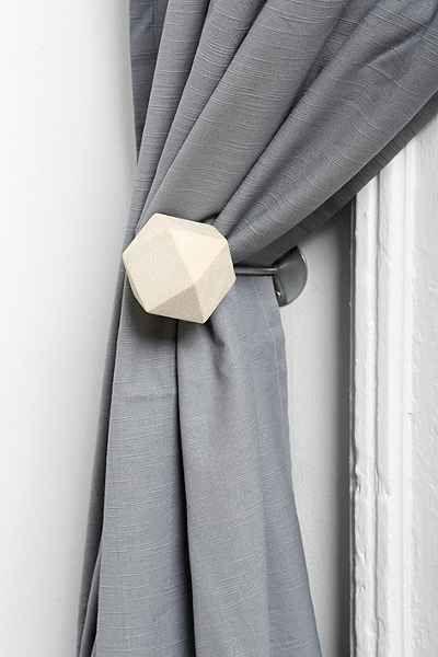 Prendedor de cortina branco para sala neutra