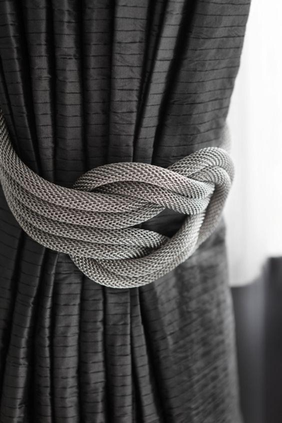 Prendedor de cortina cinza