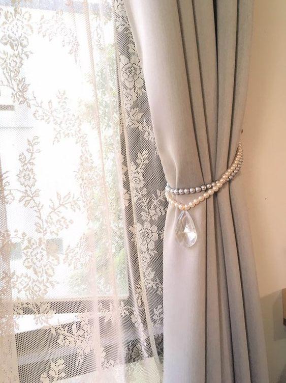Prendedor de cortina com pedras neutras