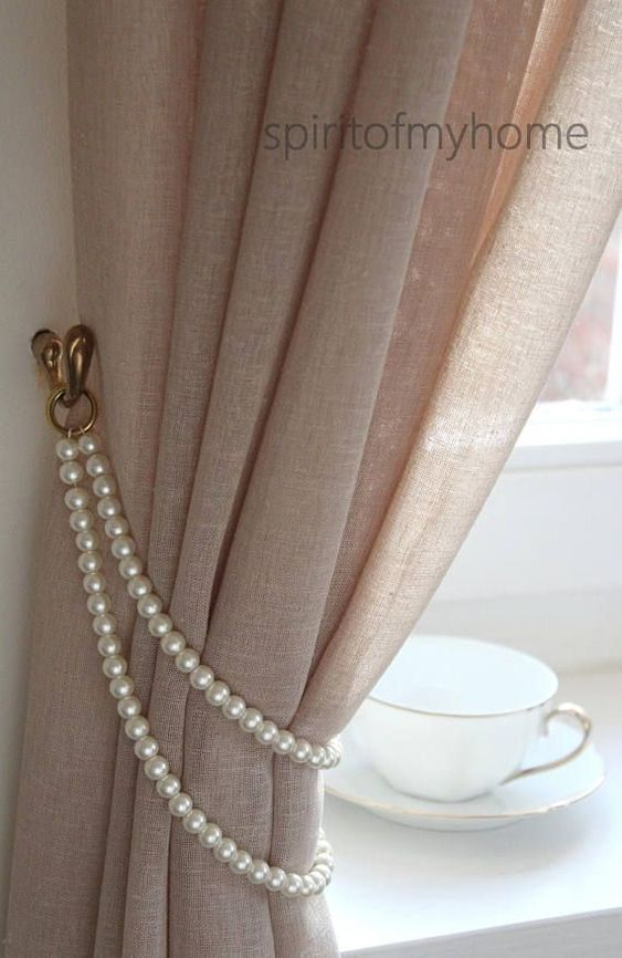 As pérolas são perfeitas para fazer um prendedor de cortina delicado e sofisticado
