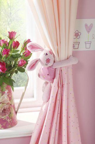 Use pelúcias para decorar sua cortina