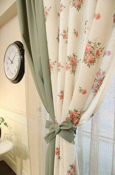Prendedor de cortina com laço
