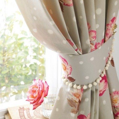 Prendedor de cortina floral