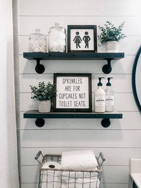 Quadros para banheiro com frases e detalhes divertidos