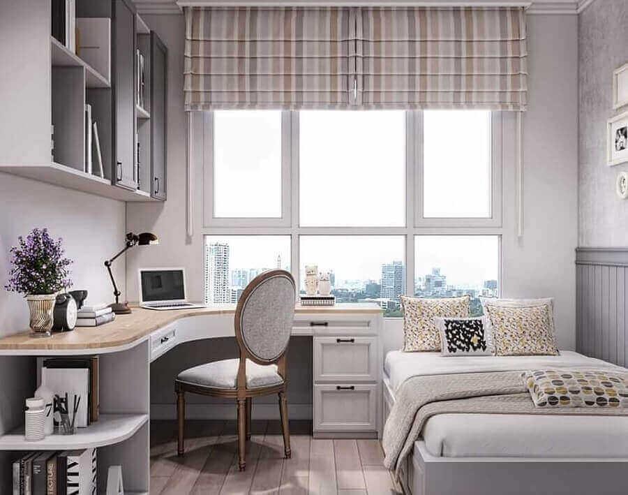 quarto decorado com escrivaninha de canto para escritório em casa Foto Icon Interior