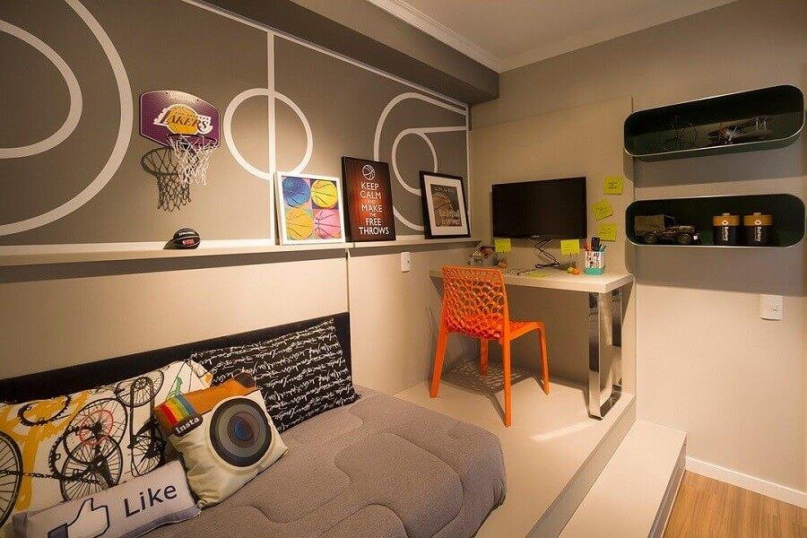 quarto pequeno decorado com cantinho de estudo Foto Juliana Pippi