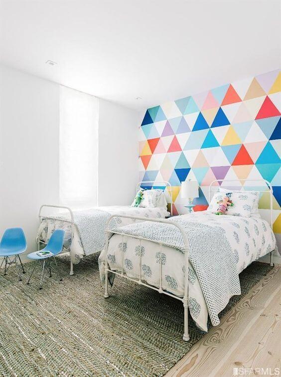 Revestimento para quarto infantil com papel de parede colorido