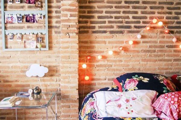 Revestimento para quarto com parede de tijolinhos