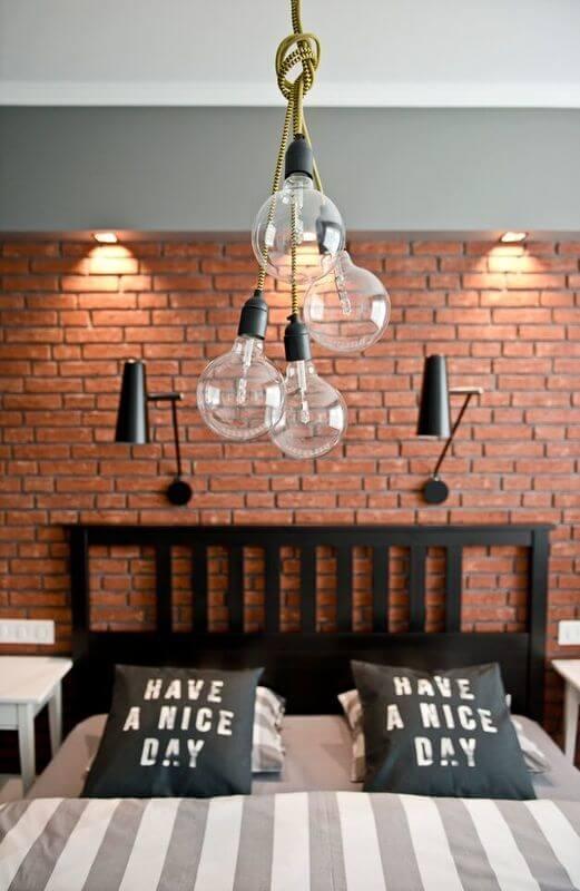 Revestimento para quarto com parede de tijolo moderno