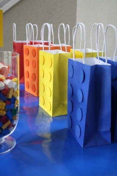 Saquinho surpresa colorido de festa da Lego