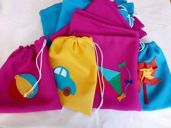 Saquinho surpresa colorido