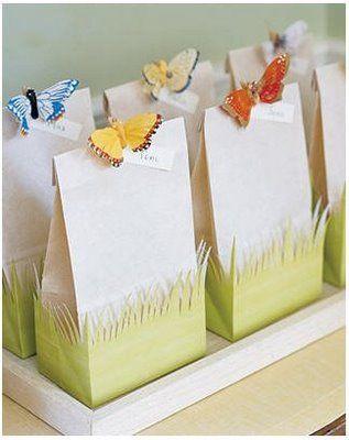 Saquinho surpresa com borboletas na decoração