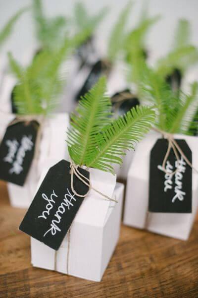 Saquinho surpresa decorado com plantas