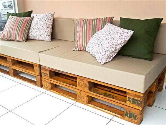 Sofá de palete para área externa