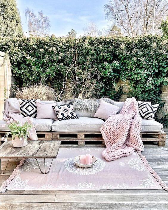 Sofá de palete para jardim moderno