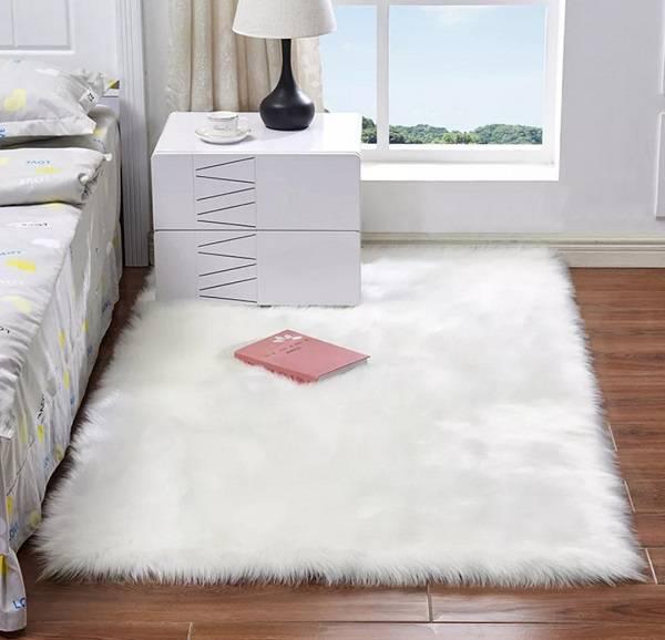 tapete felpudo branco quarto
