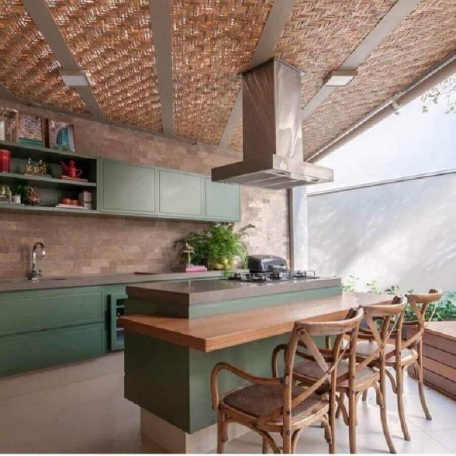 varanda decorada com bancada gourmet com cooktop Foto Pinterest