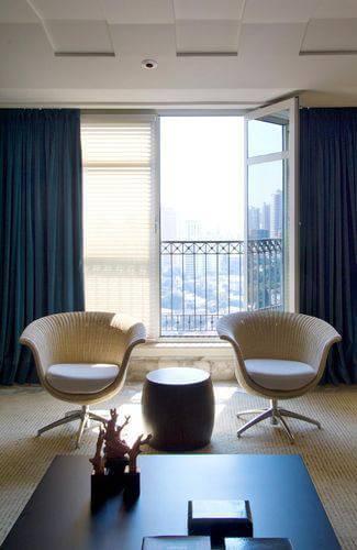 Cortinas para sala de estar na cor azul