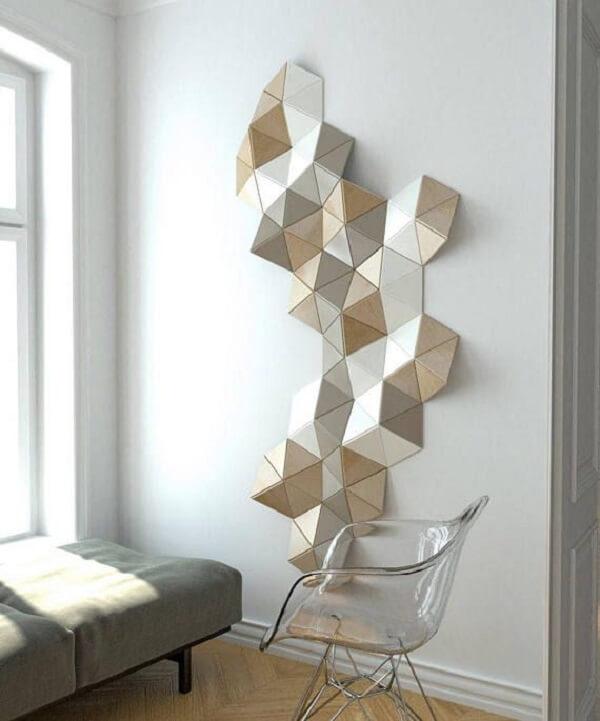 A escultura trouxe vida para a parede branca