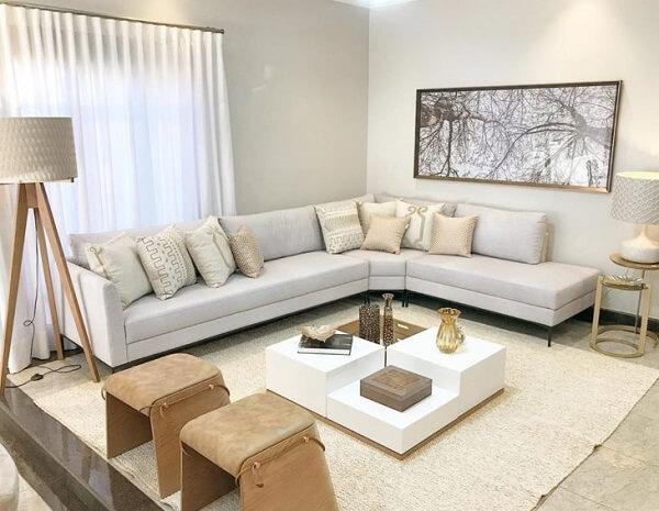 Alinhe seu sofá modular próximo a parede