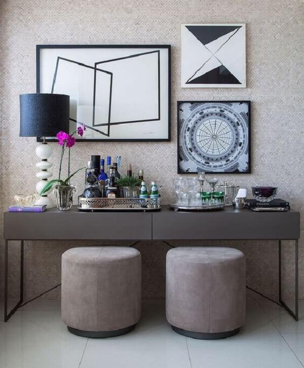 Aparador de ferro para sala moderna