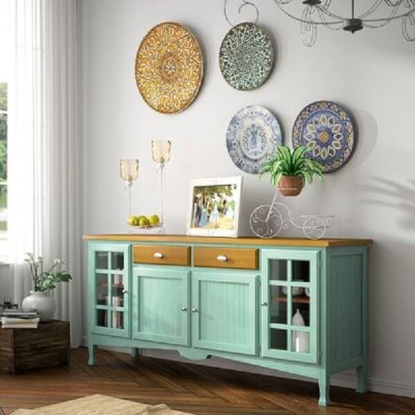 Aparador organizado na sala de estar. Fonte Carmen Arcos Muebles