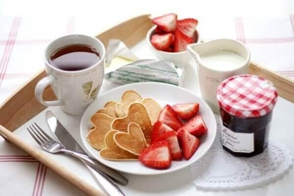 Café da manhã com muito amor para o dia dos namorados