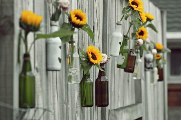 Decoração criativa com flores de girassol