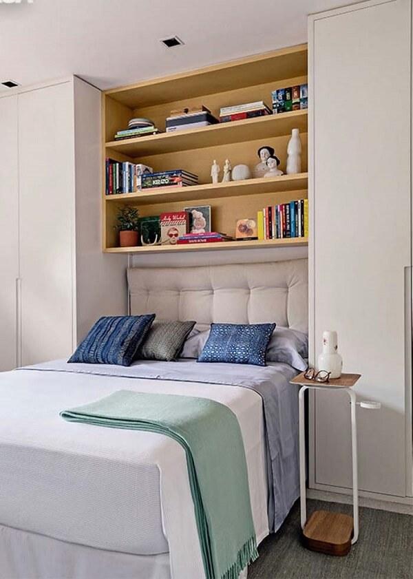 Guarda roupa com camas embutidas de casal para quarto pequeno