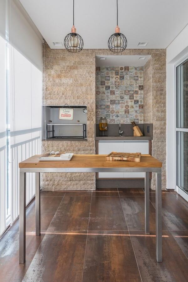 Instale azulejo decorativo ao redor da sua churrasqueira para apartamento