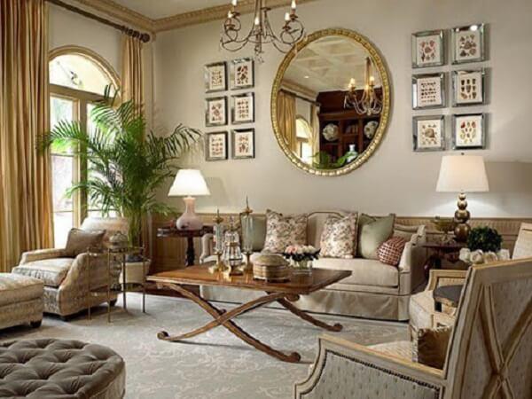 Mini coqueiro de jardim da espécie areca-bambu decora a sala de estar