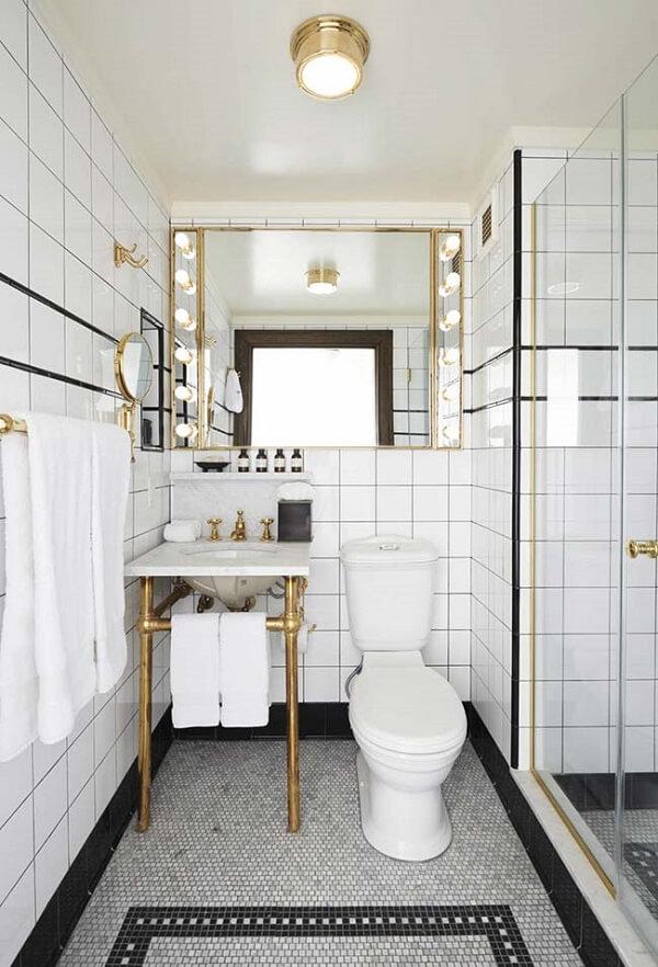 Penteadeira camarim montada no banheiro