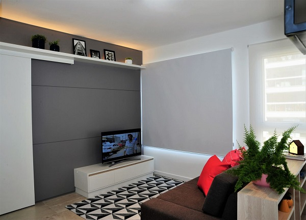 O rack é uma excelente alternativa de como esconder os fios da Tv