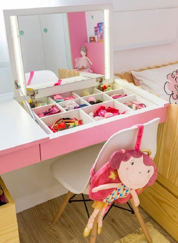 Penteadeira camarim infantil ajuda na organização do quarto da criança