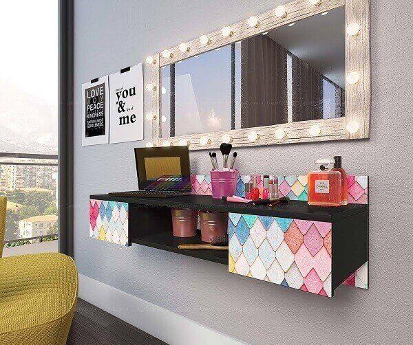 Penteadeira camarim suspensa com espelho retangular