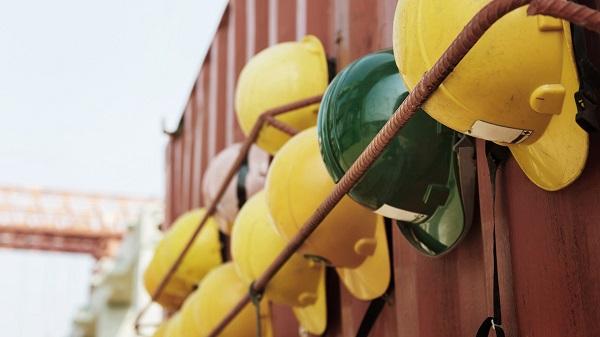 Procure manter os insumos comprados na loja de material de construção organizados