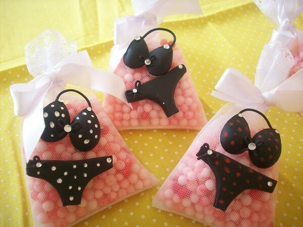 Scented sachet with creative finish