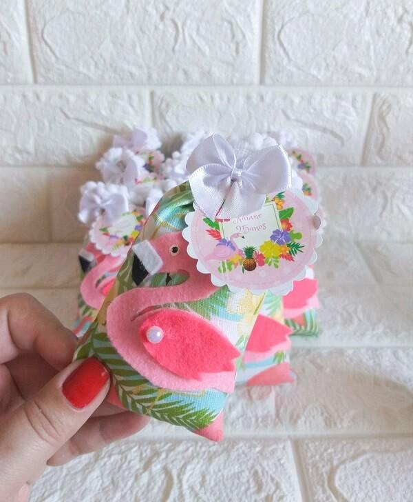 Scented sachet with flamingo design