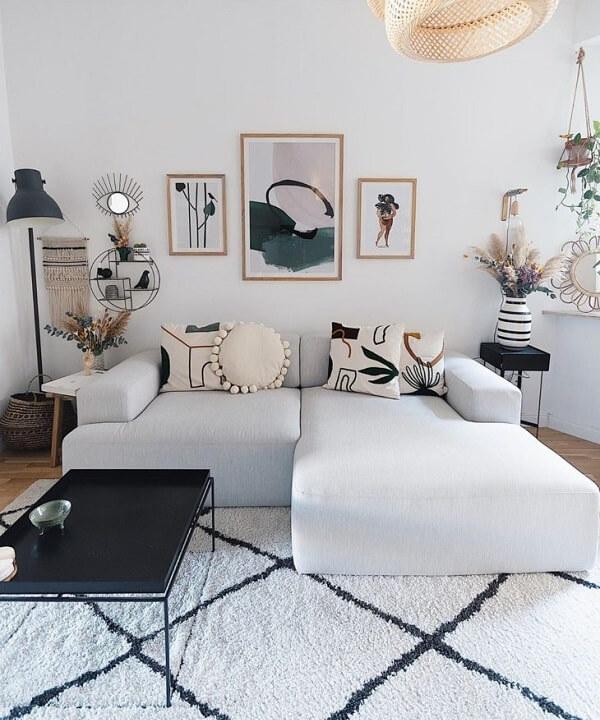 Se o sofá modular é neutro procure investir em almofadas estampadas