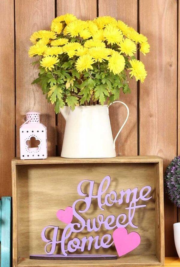 Se você deseja economizar na decoração da festa aposte na compra de flores de crisântemo