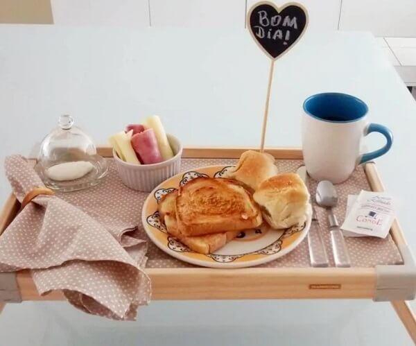 Surpreenda a pessoa amada com um café na cama